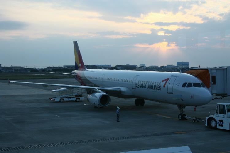 아시아나항공 OZ175