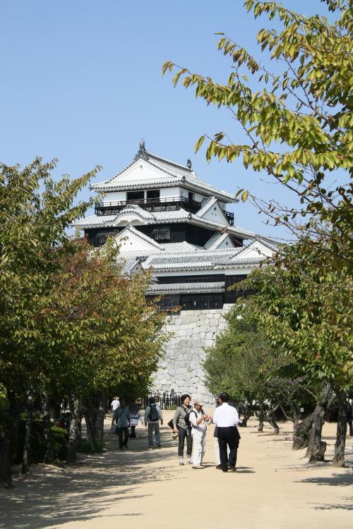 일본 마쓰야마성 혼마루광장