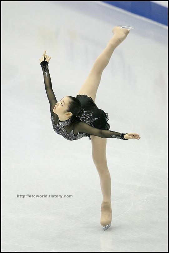 2008/2009 SBS ISU 고양피겨스케이팅 그랑프리 파이널 시니어 여자 싱글 쇼트 프로그램 연기를 펼치는 한국의 Yu-Na KIM (김연아)
