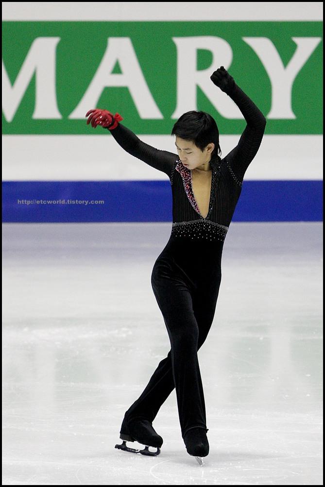 SBS ISU Grand Prix of Figure Skating Final Goyang Korea 2008/2009 2008/2009 SBS ISU 고양 피겨스케이팅 그랑프리 파이널 대회 Junior Men - Short Program Denis TEN